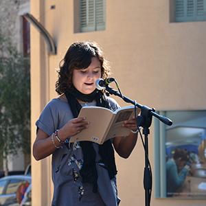 imatge de Students of the I.E. Salvador Vilarrasa de Besalú>  Reading of poems by Michelangelo Buonarroti