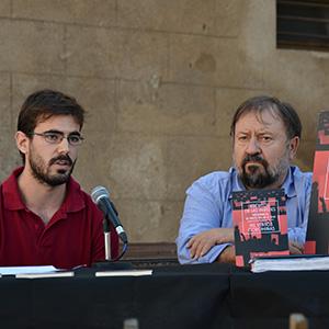 imatge de Nil Ventós and Jaume Torrent > Escritos en las paredes. Indignados, de Mayo del 68 al 15-M