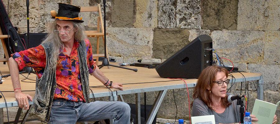 imatge de  Enric Casasses and Gemma Garcia > Intent de comentar-hi el poema d'en Joan Maragall