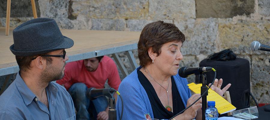 imatge de  Josep Anton Clement i Matilde Martínez > Tarongeta vol dir taronja petita