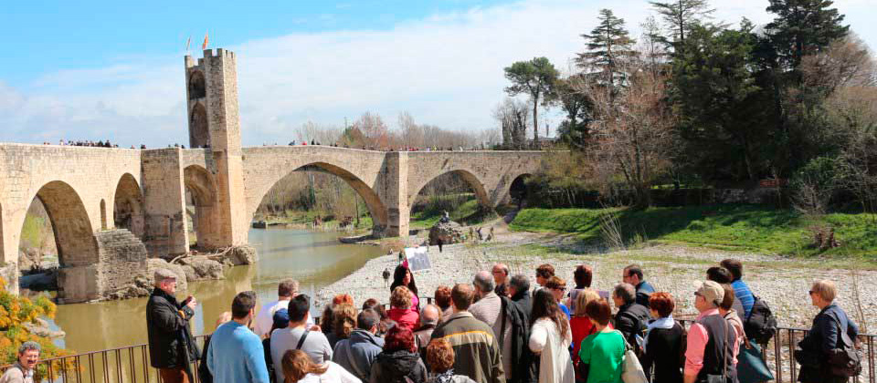 imatge de  Learn about the history of Besalú!