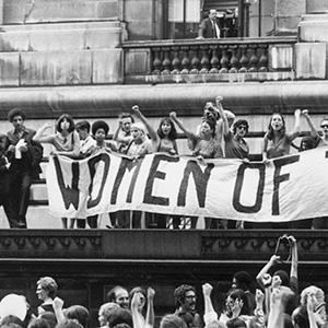 imatge de M. Àngels Cabré y Anna M. Iglesia > Rescatando la revolución feminista