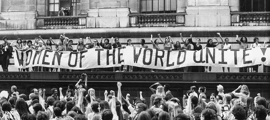 imatge de  M. Àngels Cabré and Anna M. Iglesia > Rescuing the feminist revolution